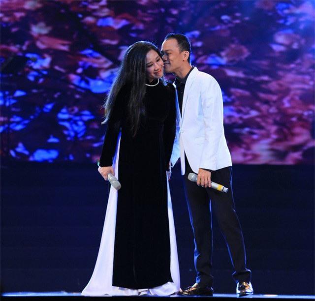 Phản ứng trái ngược của Thanh Thanh Hiền và Chế Phong sau khi ly hôn - Ảnh 1.