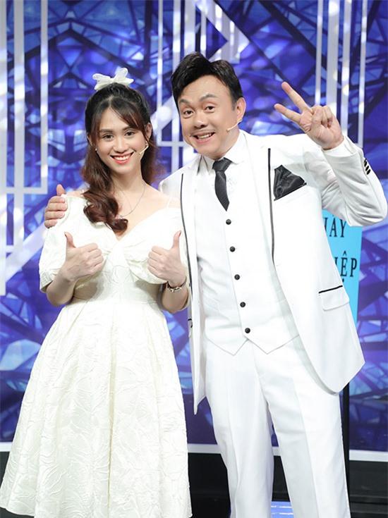 Là một danh hài nổi tiếng, Chí Tài được mời góp mặt ở hàng loạt show giải trí. Mới đây, anh ra mắt