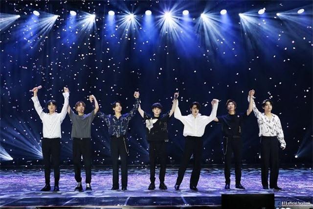 Tạp chí Time chọn nhóm BTS là Ngôi sao giải trí của năm 2020 - 2