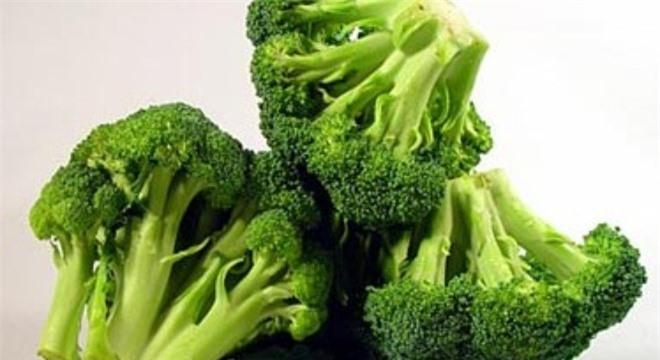 Bông cải xanh chứa hàm lượng chất xơ cao, gây ra hiện tượng đầy hơi