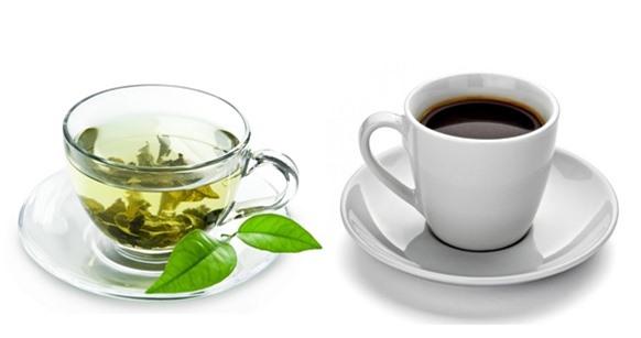 Cà phê và trà chứa nhiều chất kích thích khiến người bệnh viêm loét đại tràng khó kiểm soát