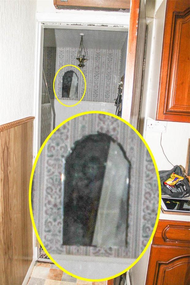 'Quỷ đen' trong căn nhà ma ám khét tiếng