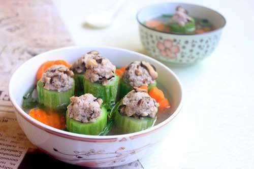Cách làm canh dưa leo nhồi thịt đổi vị cho bữa trưa ngon miệng