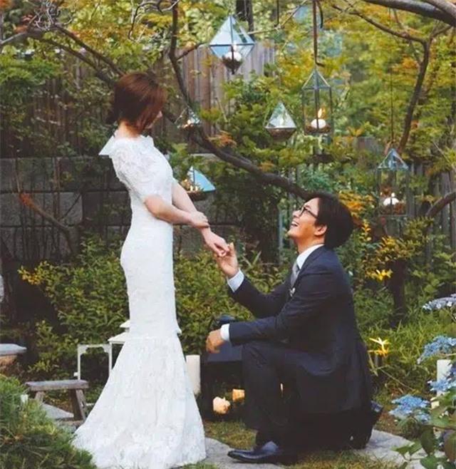Cuộc hôn nhân kỳ lạ của ông hoàng làn sóng Hàn Quốc bên vợ trẻ - 6