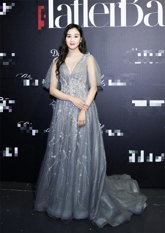 Người mẫu Victoria's Secret Ming Xi thả dáng 'gái một con' nóng bỏng sau sinh - ảnh 12