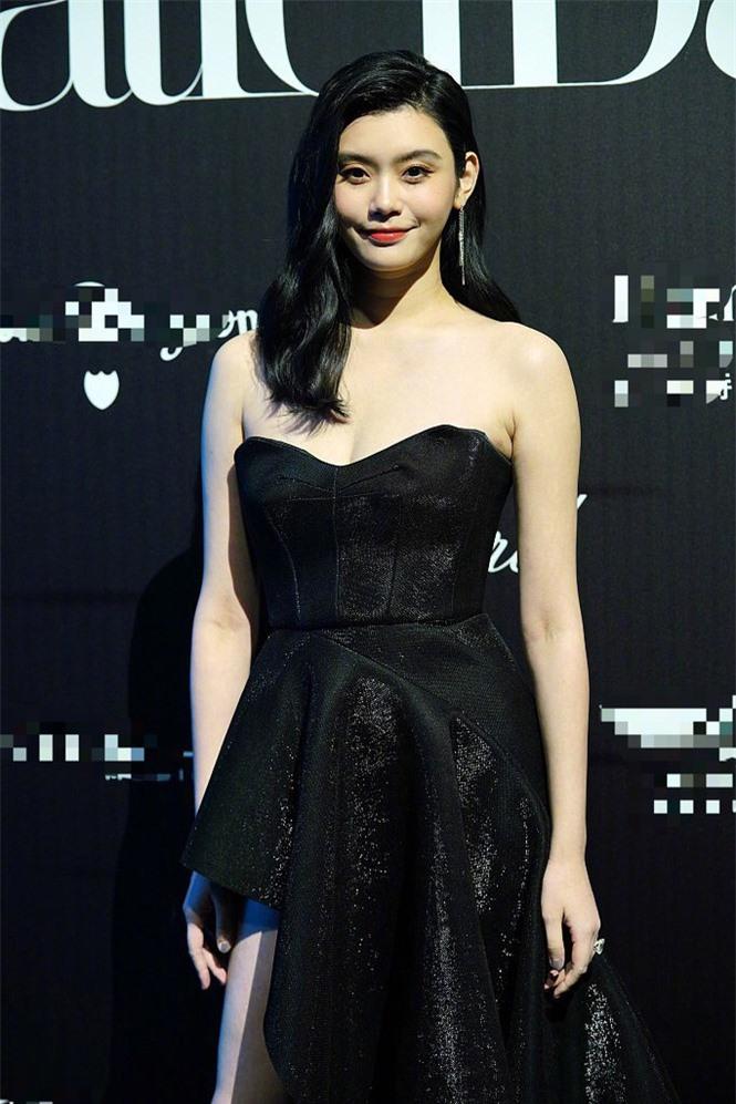 Người mẫu Victoria's Secret Ming Xi thả dáng 'gái một con' nóng bỏng sau sinh - ảnh 6