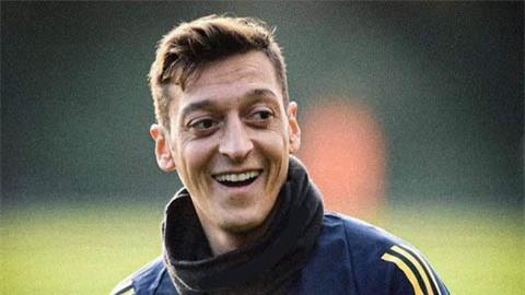 Oezil đã chọn xong bến đỗ sau khi hết hợp đồng với Arsenal