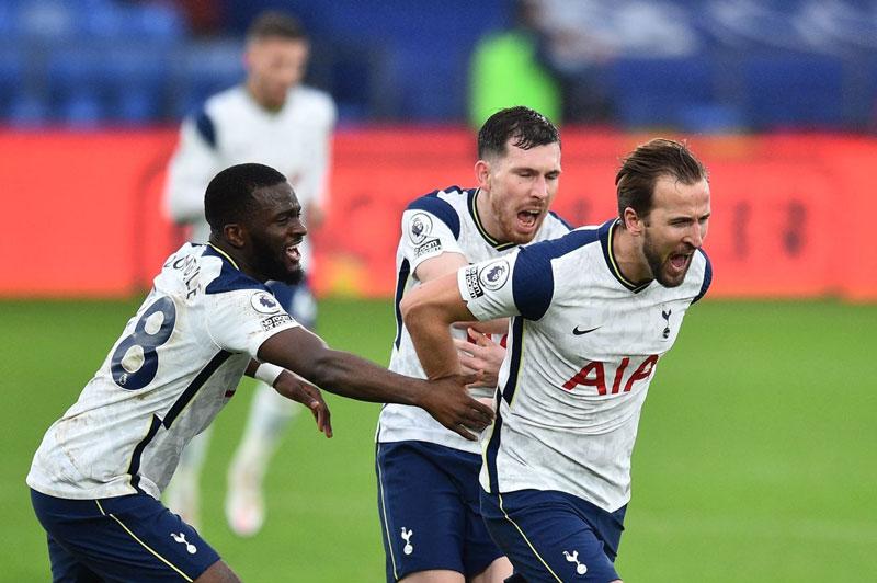 Tottenham không thể bảo toàn chiến thắng.