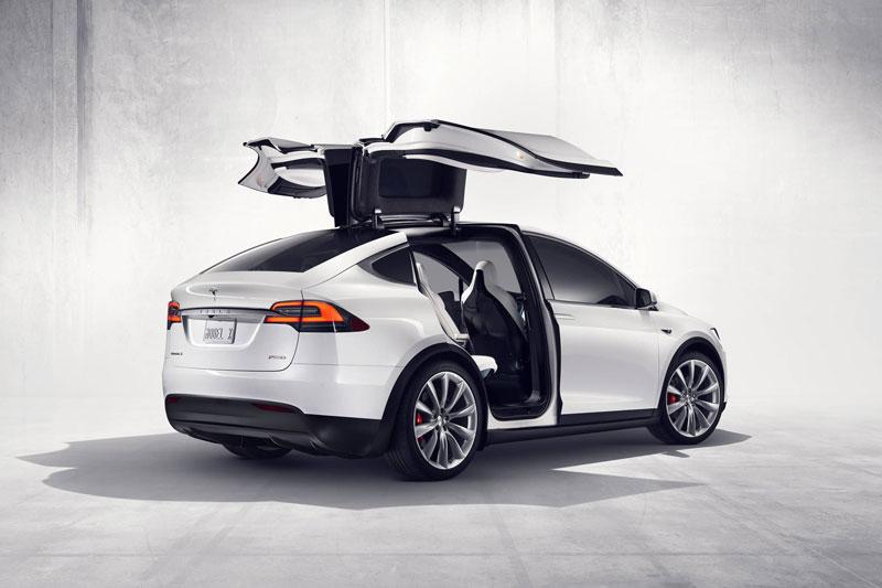 8. Tesla Model S 2020 (giá khởi điểm: 79.990 USD).