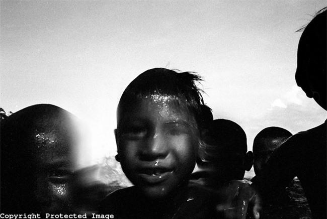 """Trẻ em tộc """"người cá"""" bí ẩn ở Thái - 19"""