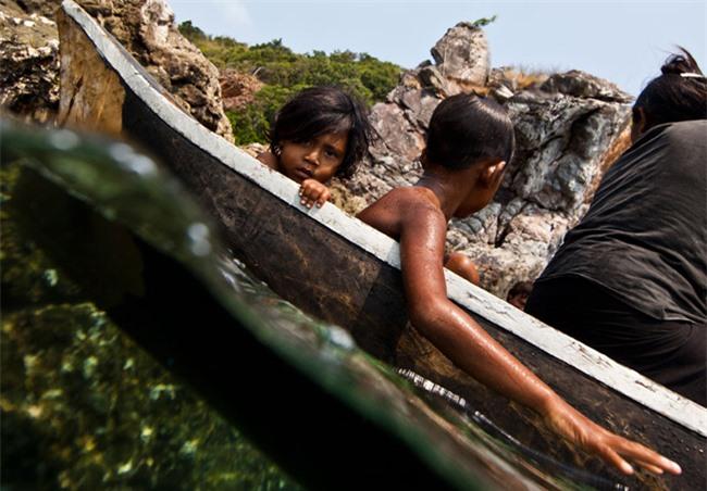 """Trẻ em tộc """"người cá"""" bí ẩn ở Thái - 23"""