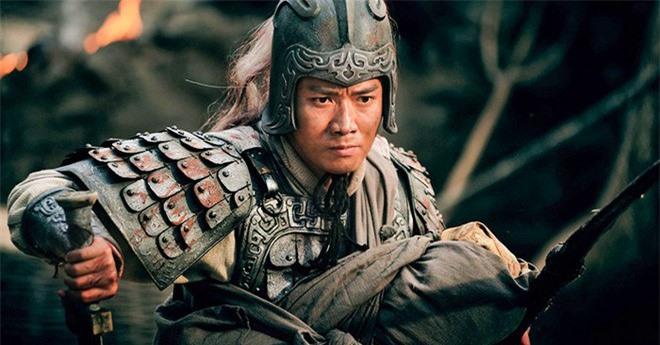 Được Lưu Bị ra sức lấy lòng, vì lẽ gì mà địa vị của Triệu Vân ở Thục Hán lại ngày một thấp hơn cả Hoàng Trung? - Ảnh 2.