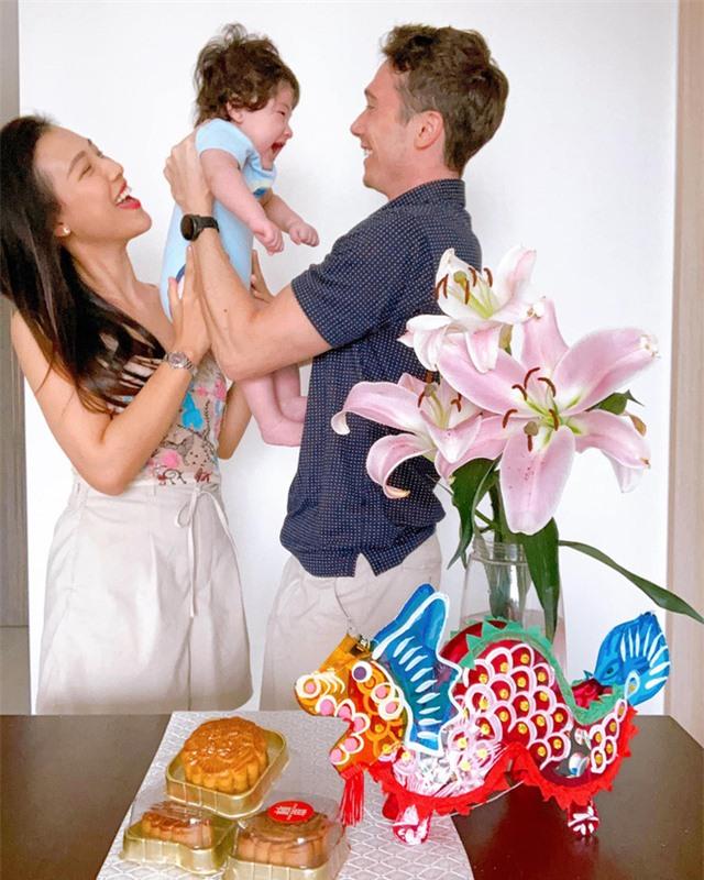 Hội mẹ bỉm sữa Vbiz hot nhất năm: Đặng Thu Thảo cứ xuất hiện là gây bão, Hồ Ngọc Hà chiếm spotlight với body chuẩn chỉnh sau sinh - Ảnh 14.