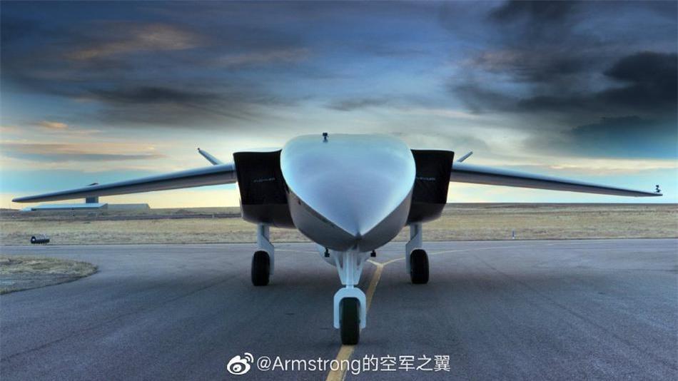 Khám phá UAV khủng nhất thế giới khi có thể 'cõng' vệ tinh vào quỹ đạo