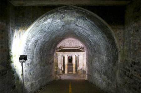 Nhiều lăng mộ Thanh triều liên tiếp bị trộm, sao không kẻ nào dám xâm phạm Hiếu lăng của Thuận Trị đế? - Ảnh 3.