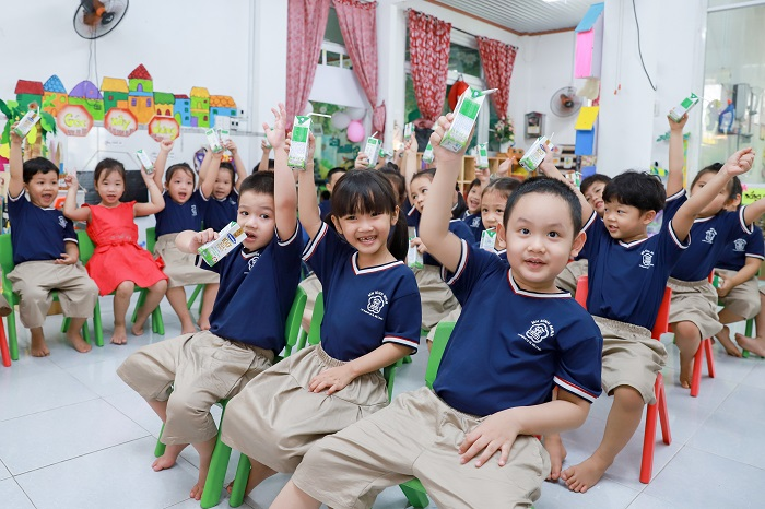 Các chương trình chăm sóc dinh dưỡng thông qua sữa cho trẻ em được Vinamilk đặc biệt đẩy mạnh trong năm 2020.