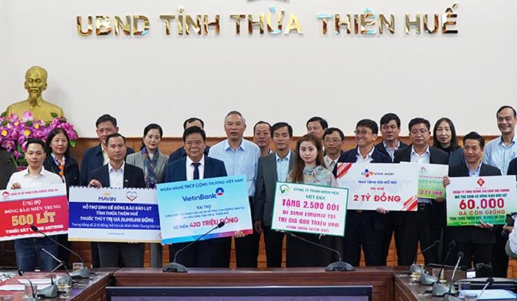 Nhiều doanh nghiệp hỗ trợ người dân tỉnh Thừa Thiên Huế khắc phục sản xuất sau bão lũ.