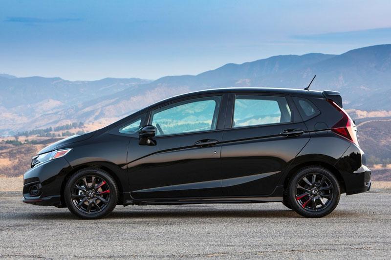 2. Honda Fit 2020 (giá khởi điểm: 16.190 USD, điểm tổng thể: 8,8/10).