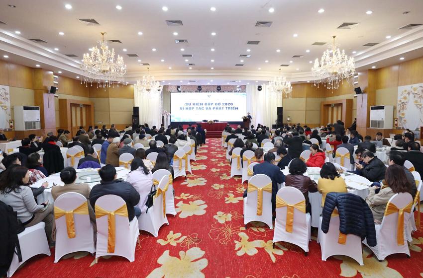 """Năm nay 2020 là năm đặc biệt, vì chỉ còn 1 tuần lễ nữa là Đại hội đại biểu VUSTA nhiệm kỳ VIII sẽ được tổ chức tại Hà Nội. Đồng thời năm nay là năm VUSTA nhận chức Chủ tịch Liên đoàn các tổ chức kỹ sư ASEAN và Chủ trì Hội nghị lần thứ 38 của Liên đoàn – CAFEO38 với chủ đề  """"Thúc đẩy các sáng kiến và hành động của AFEO để xây dựng Cộng đồng ASEAN bền vững và thịnh vượng"""" .  Hội nghị đã diễn ra từ 18 đến 26/11 năm nay với mục tiêu chủ yếu là: Tiếp tục khẳng định cam kết của AFEO trong việc thực hiện Tầm nhìn Cộng đồng ASEAN đến 2025 và Chương trình nghị sự 2030 của Liên Hợp Quốc về Phát triển bền vững (Chương trình nghị sự 2030) thông qua việc củng cố vai trò nòng cốt của các kỹ sư trong thực hiện mục tiêu phát triển bền vững; khởi xướng các chương trình hợp tác kỹ thuật chất lượng cao, thúc đẩy việc sử dụng công nghệ, kỹ thuật số để xây dựng cộng đồng ASEAN kết nối, công bằng và thịnh vượng."""