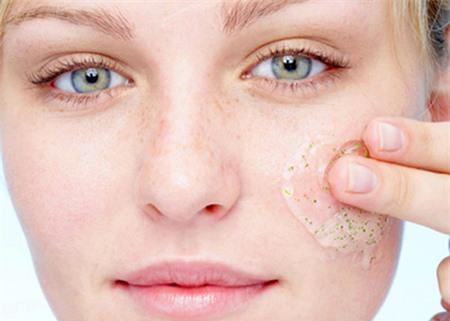 Tẩy da chết với muối, gừng và vỏ cam giúp thải độc tố, da trắng sáng