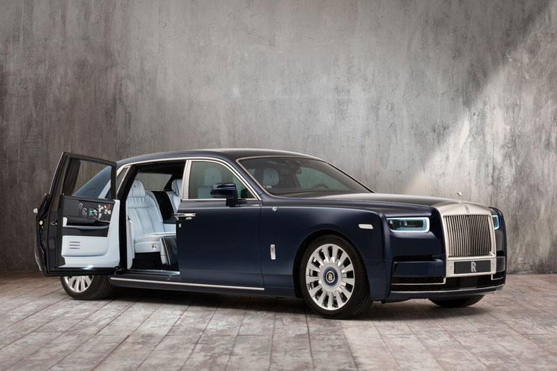 1. Rolls-Royce Phantom (giá khởi điểm: 455.000 USD).