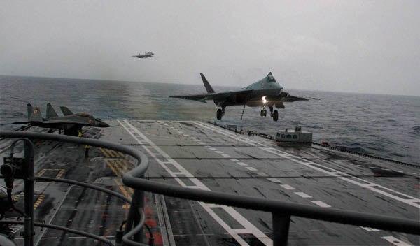 Tiêm kích tàng hình Su-57 sẽ sớm có phiên bản hải quân. Ảnh: TASS.