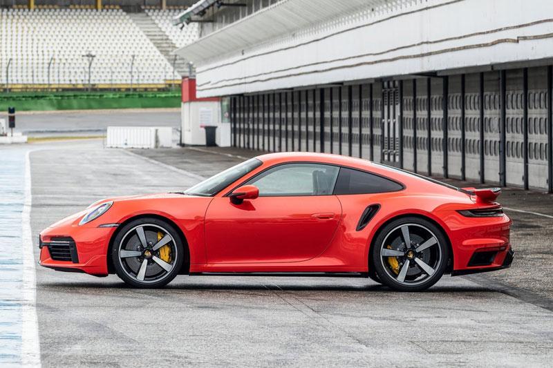 2. Porsche 911 2021.