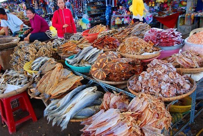 Cá khô hay tôm khô đều là những thực phẩm được nhiều người chuộng. Ảnh minh họa