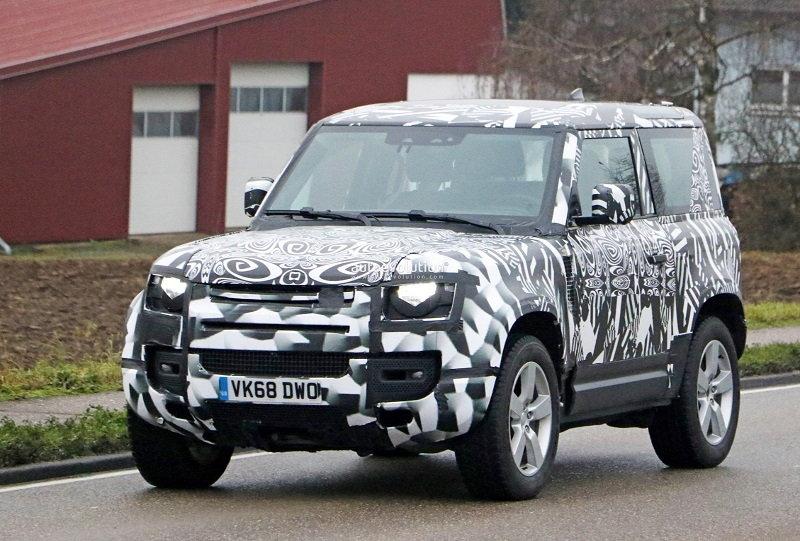 2022 Land Rover Defender V8.