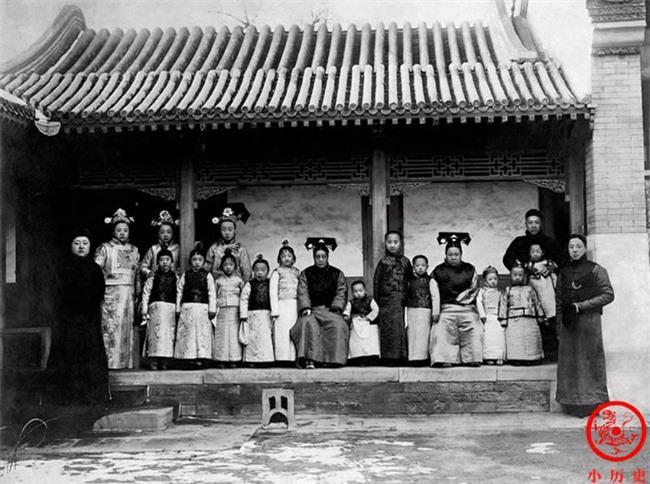 Loạt ảnh chân thật nhất về gia đình Hoàng đế cuối cùng của triều Thanh:  - Ảnh 2.