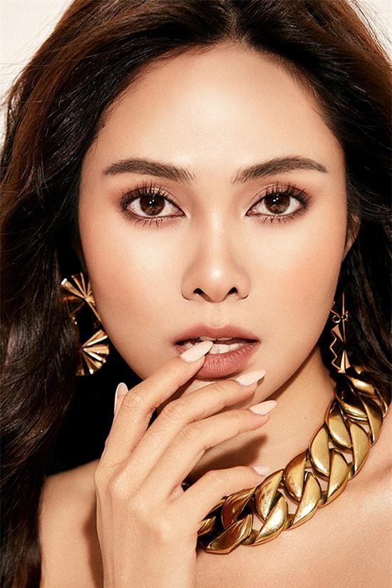 2020 là một năm có nhiều ý nghĩa với Lưu Hiền Trinh khi giành ngôi quán quân Đánh thức đam mê. Bên cạnh đó, cô còn gặp nhiều thuận lợi trong cuộc sống riêng.