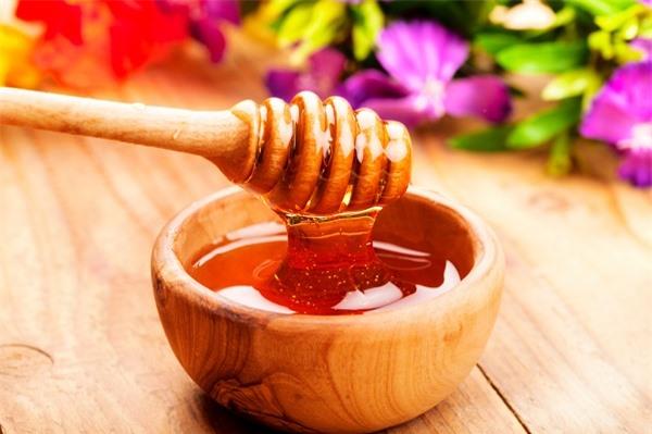 Mặt nạ mật ong: Bí quyết cho làn da đẹp không tì vết