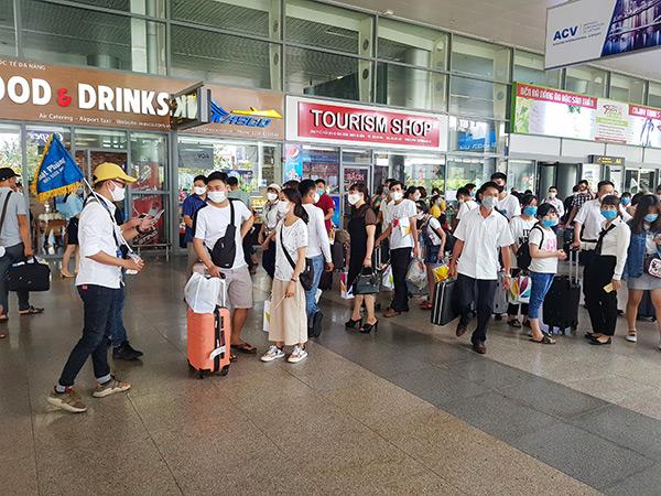 Sân bay quốc tế Đà Nẵng thu hút du khách yên tâm trở lại bằng những biện pháp phục vụ chu đáo, đảm bảo an toàn phòng chống dịch