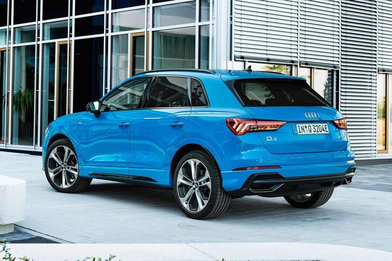 2. Audi Q3 2021 (giá khởi điểm: 36.000 USD, điểm tổng thể: 8,3/10).