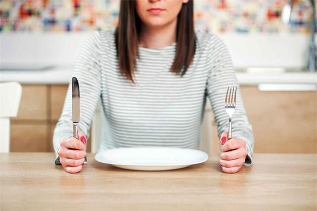 Bỏ bữa sáng sẽ làm tăng nguy cơ mắc bệnh tim mạch. Ảnh minh họa