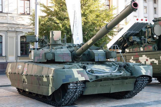 Xe tăng chiến đấu chủ lực T-84BM Oplot của Quân đội Ukraine. Ảnh: Defense Express.
