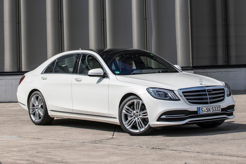 1. Mercedes-Benz S-Class 2020 (giá khởi điểm: 94.250 USD).
