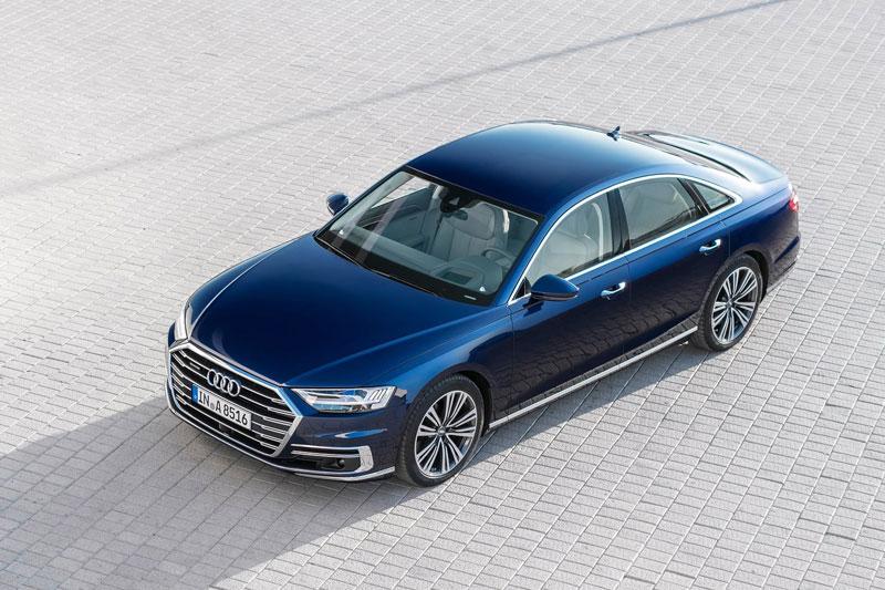 2. Audi A8 2021 (giá khởi điểm: 86.500 USD).