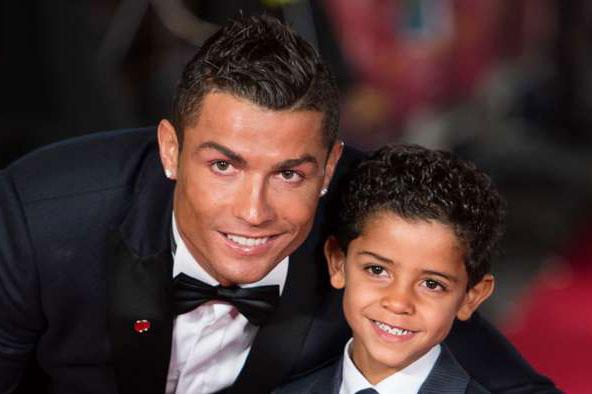 Ronaldo và con trai.