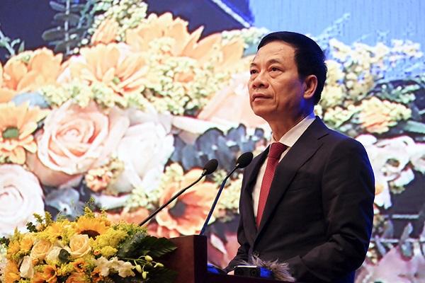 Bộ trưởng Bộ TT&TT Nguyễn Mạnh Hùng.
