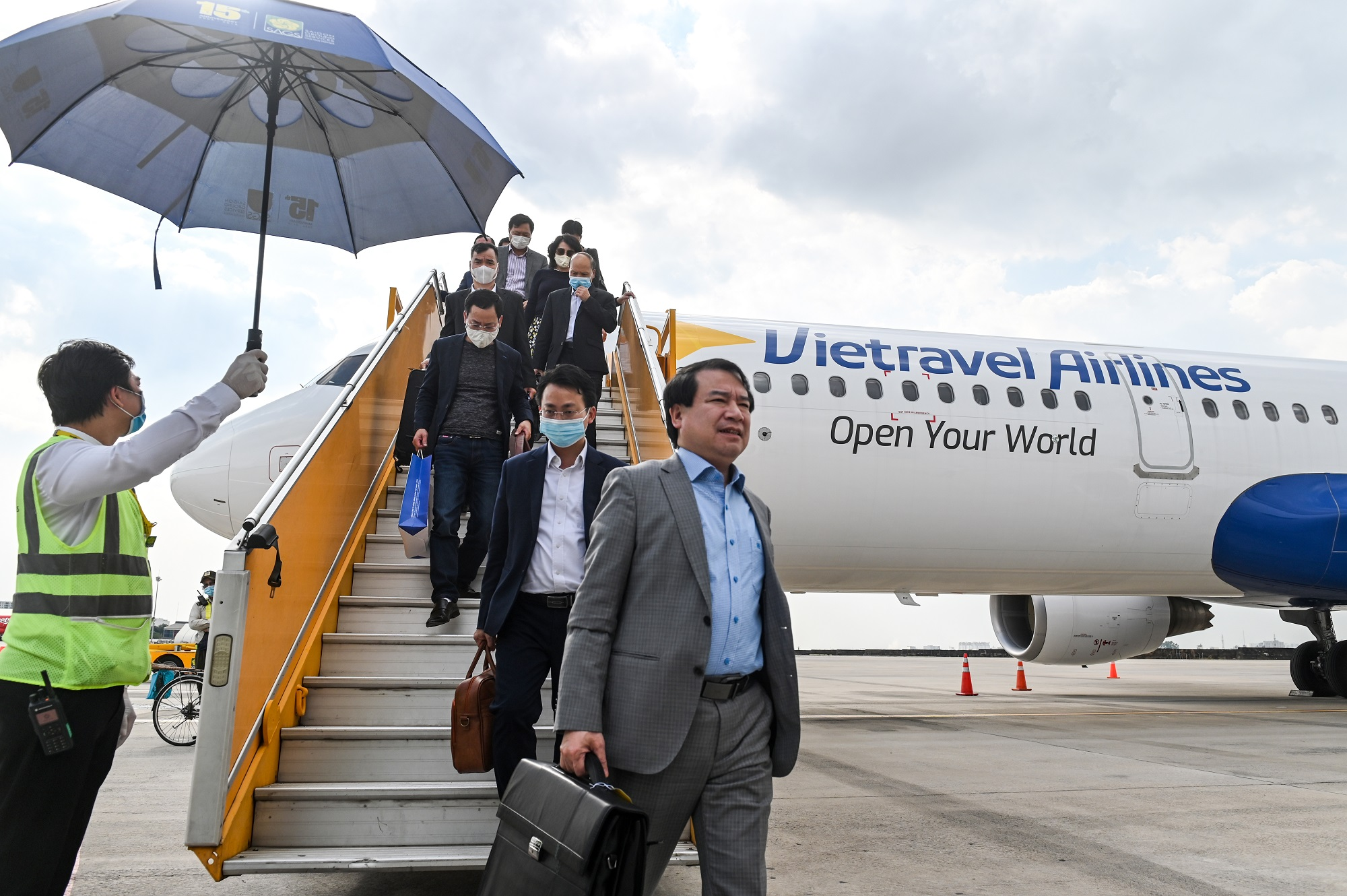 """Vietravel Airlines sẽ cất cánh chuyến bay thương mại đầu tiên vào khoảng giữa tháng 1/2020 để phục vụ hành khách trong dịp Tết Nguyên đán Tân Sửu. Giá vé của """"tân binh"""" này sẽ ở phân khúc giữa mức giá của Vietjet và Bamboo Airways."""