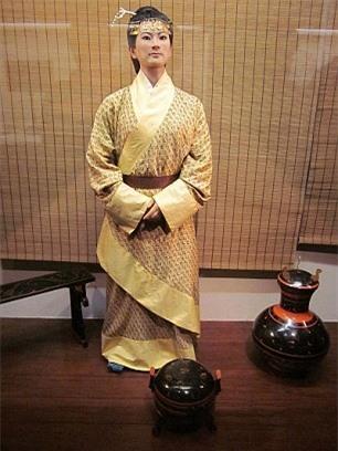 Bí ẩn xác ướp 1.000 năm vẫn nguyên vẹn như còn sống ở Trung Quốc