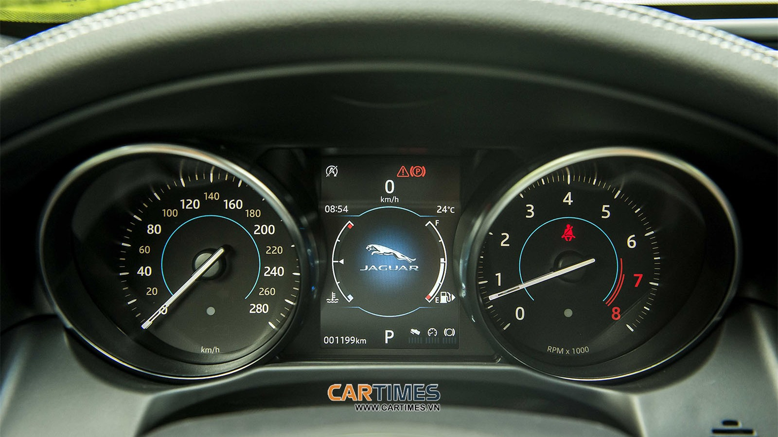 Màn hình trung tâm xe Jaguar XF