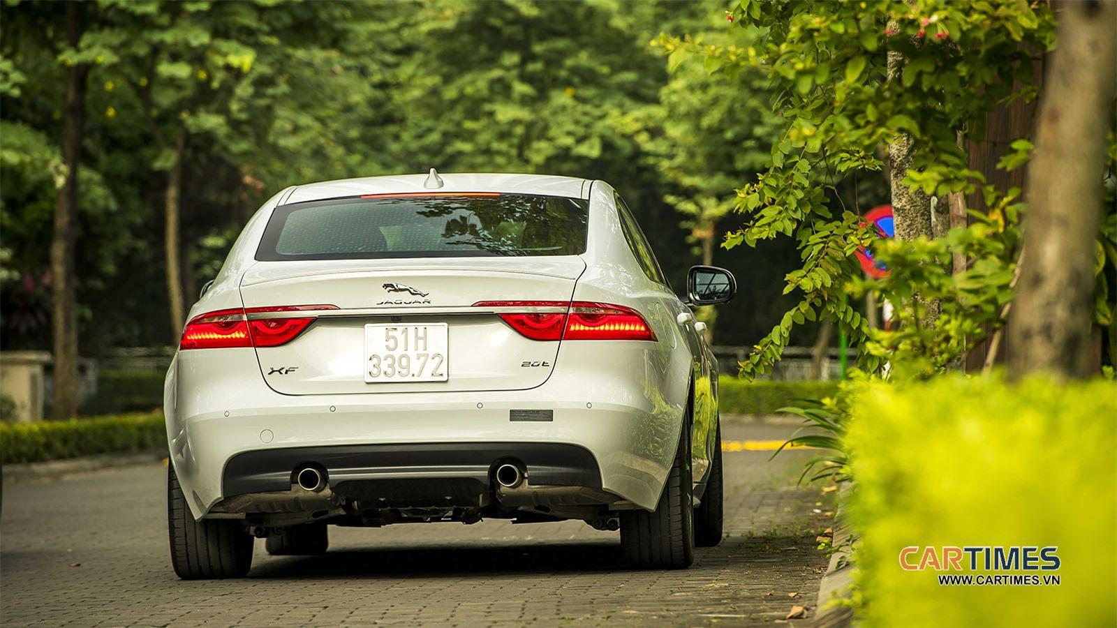 Thiết kế đuôi xe Jaguar XF R-Sport