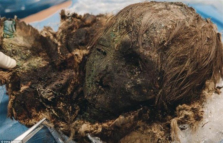 Phát hiện thêm một xác ướp 1000 năm vẫn còn nguyên tóc, lông mi cong vút
