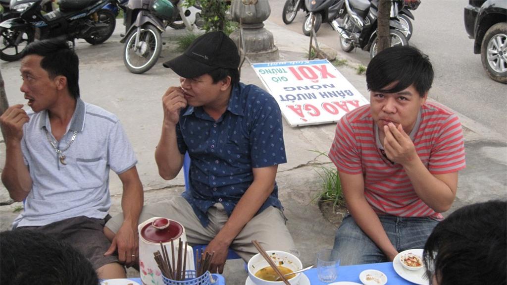 Xỉa răng sau khi ăn: Tưởng sạch hóa bẩn