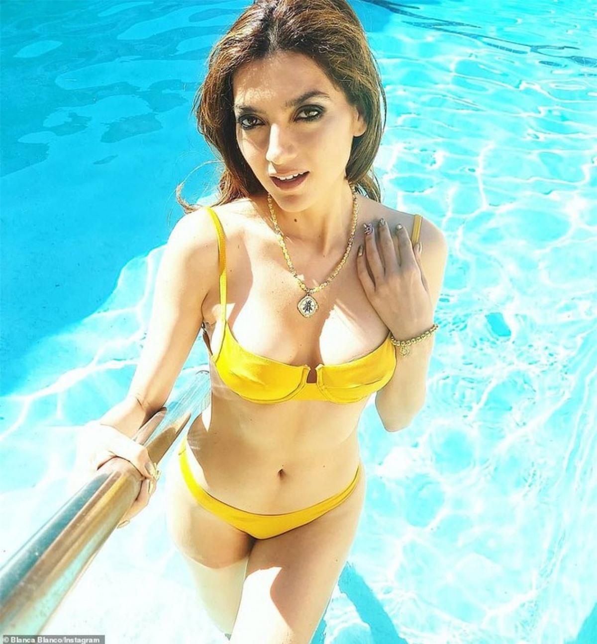 Blanca Blanco sinh năm 1981, sở hữu body săn chắc, đẹp như tạc tượng và không thua kém bất kì người mẫu nào với chiều cao 1m75 và 3 vòng lý tưởng.