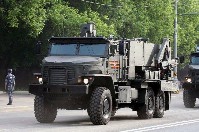 Hệ thống phun lửa hạng nặng TOS-2