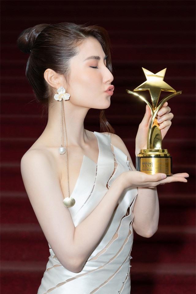 Diễm My 9X giành Nữ diễn viên truyền hình xuất sắc nhất tại Ngôi Sao Xanh 2020 nhờ phim Tình yêu và Tham vọng - Ảnh 1.