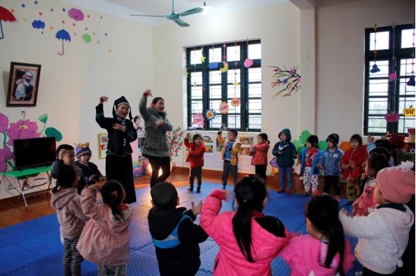 Giờ học của cô và trò Trường mầm non Nấm Lư, Mường Khương.